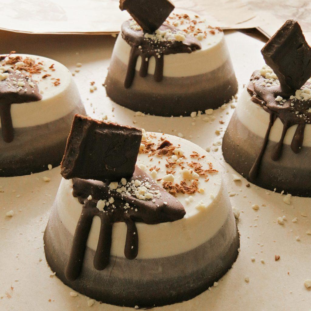 vegan mocha cheesecakes