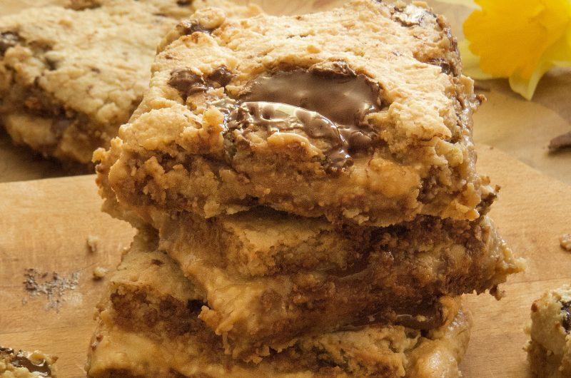 Almond peanut butter cakes