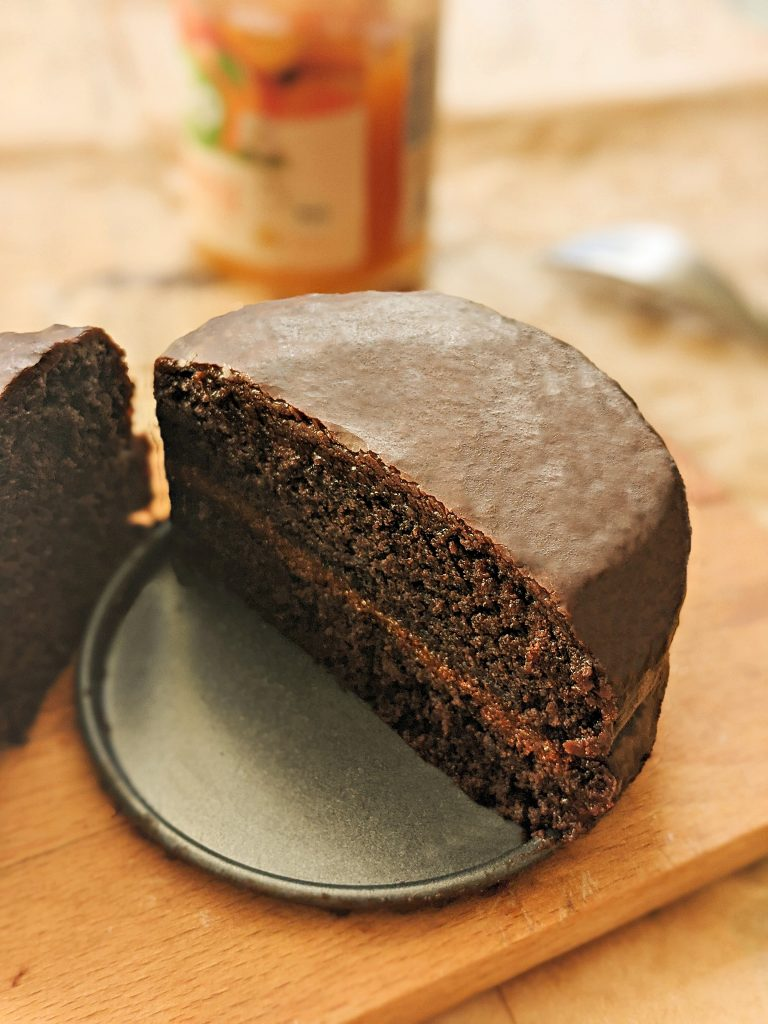 veganska Sacher torta